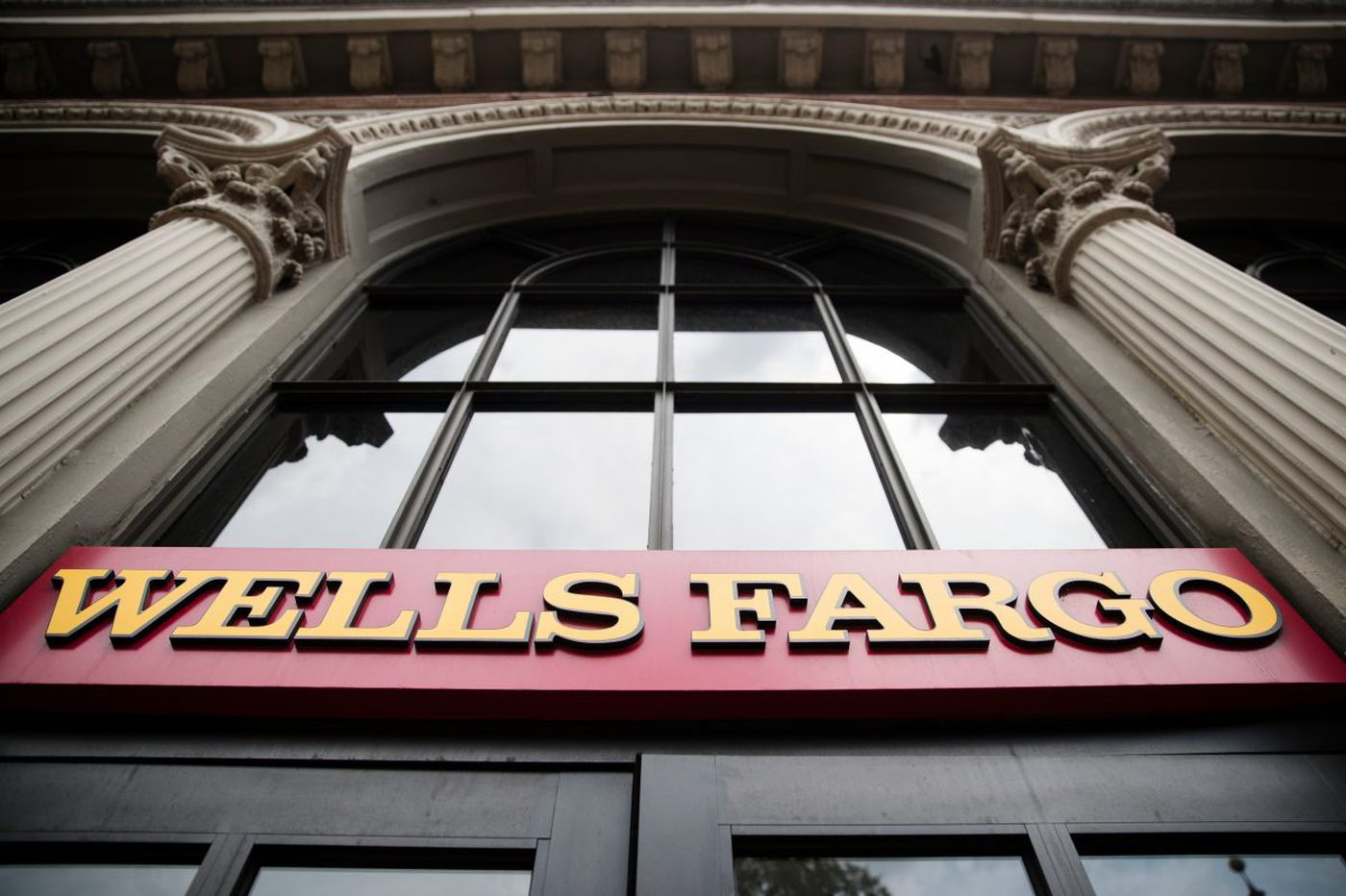 Wells Fargo says it faces $1 billion penalty for mortgage