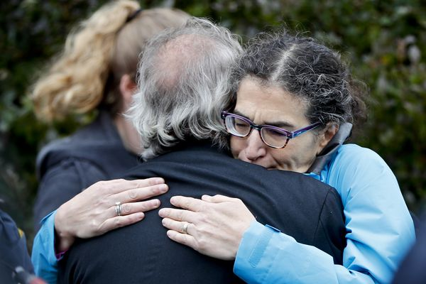 'Unspeakable act of hate': 11 dead and suspect in custody in Pittsburgh synagogue shooting