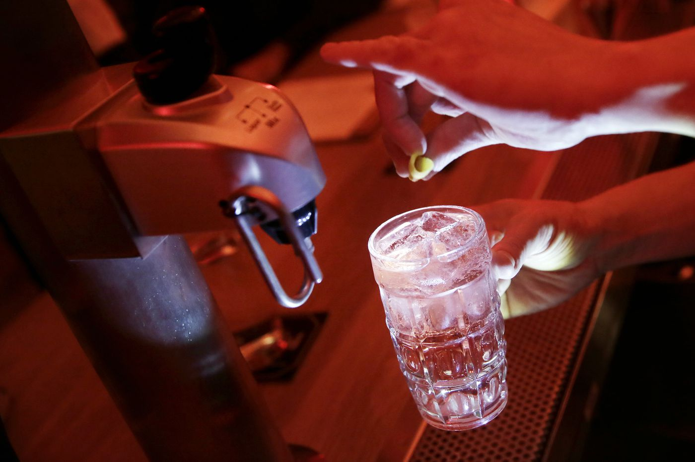 Fizz factor with a machine assist gives Nunu's whisky highballs a refreshing twist on draft