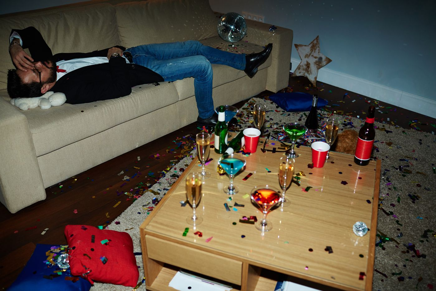 Is blackout drinking the same as passing out from alcohol? A Penn psychologist explains.