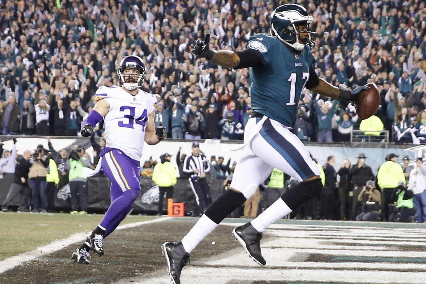 Once college roommates, Eagles WR Alshon Jeffery and Patriots CB Stephon Gilmore will compete in one of Super Bowl's marquee matchups
