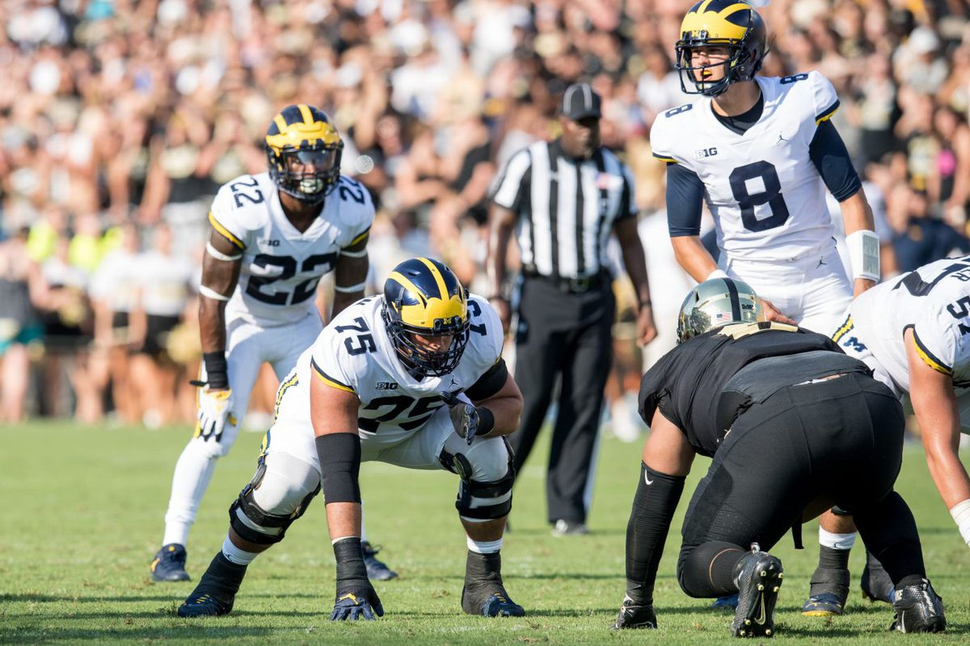 Jon Runyan follows in father's footsteps at Michigan