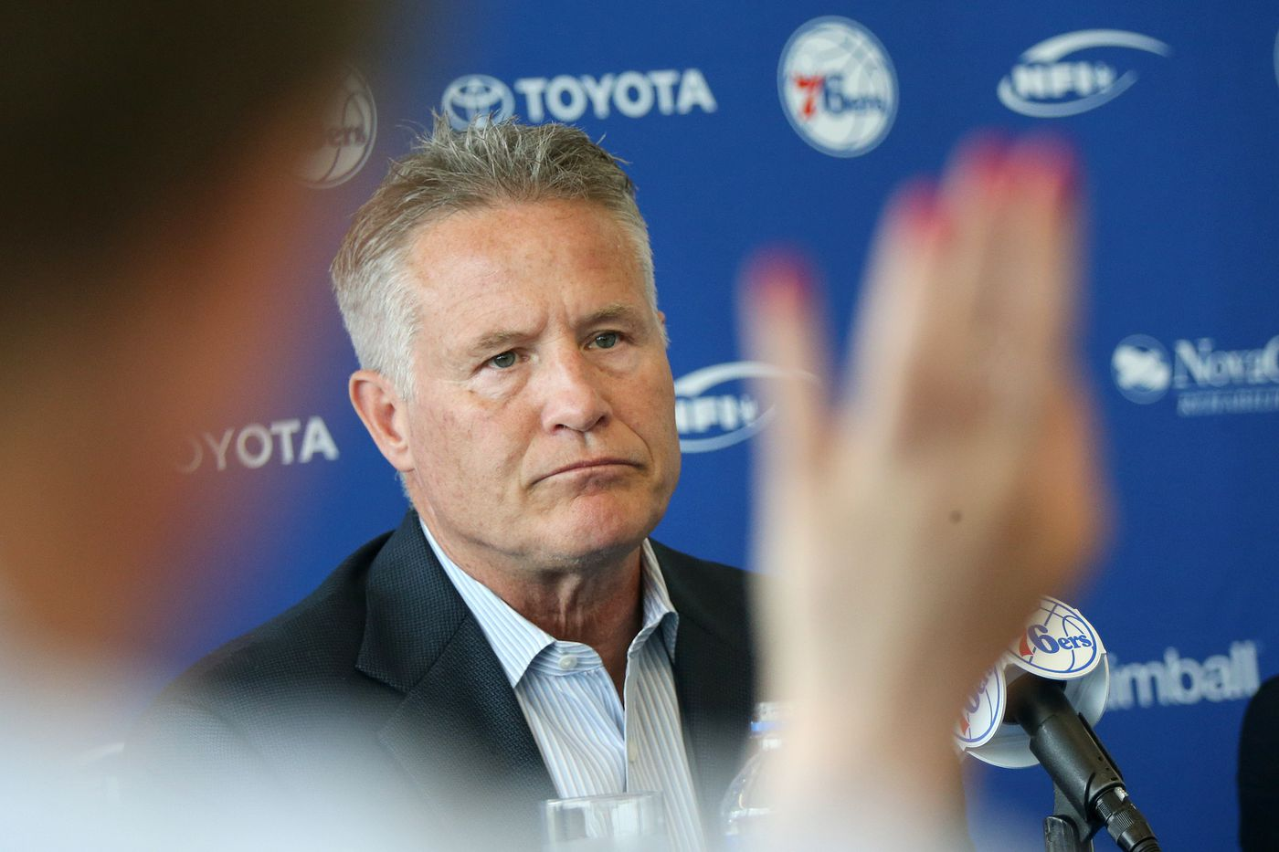 Brett Brown gets to really call the shots for the Sixers | Bob Ford