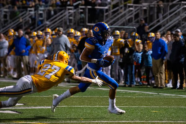 Julian Williams powers Downingtown West football past Downingtown East