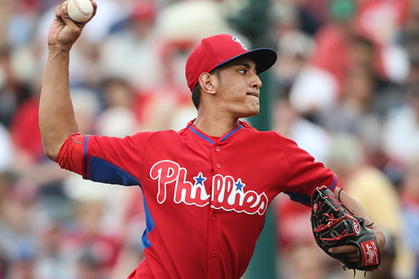 Gonzalez shows signs that he could contribute to Phillies