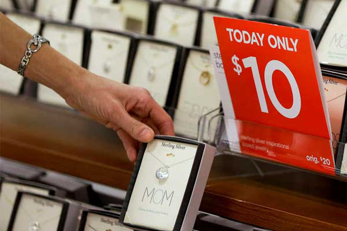As shoppers stay away, stores ready to return to deep discounts