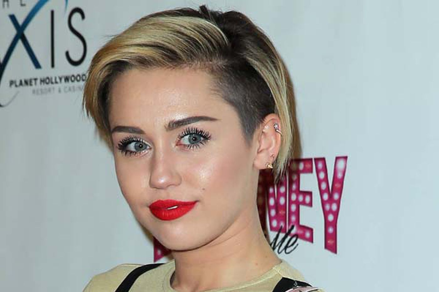 Miley leaves hospital, set to head to Europe