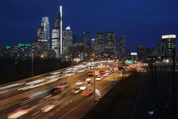 Philadelphia-area vehicle emissions have grown by 22% since 1990, report says
