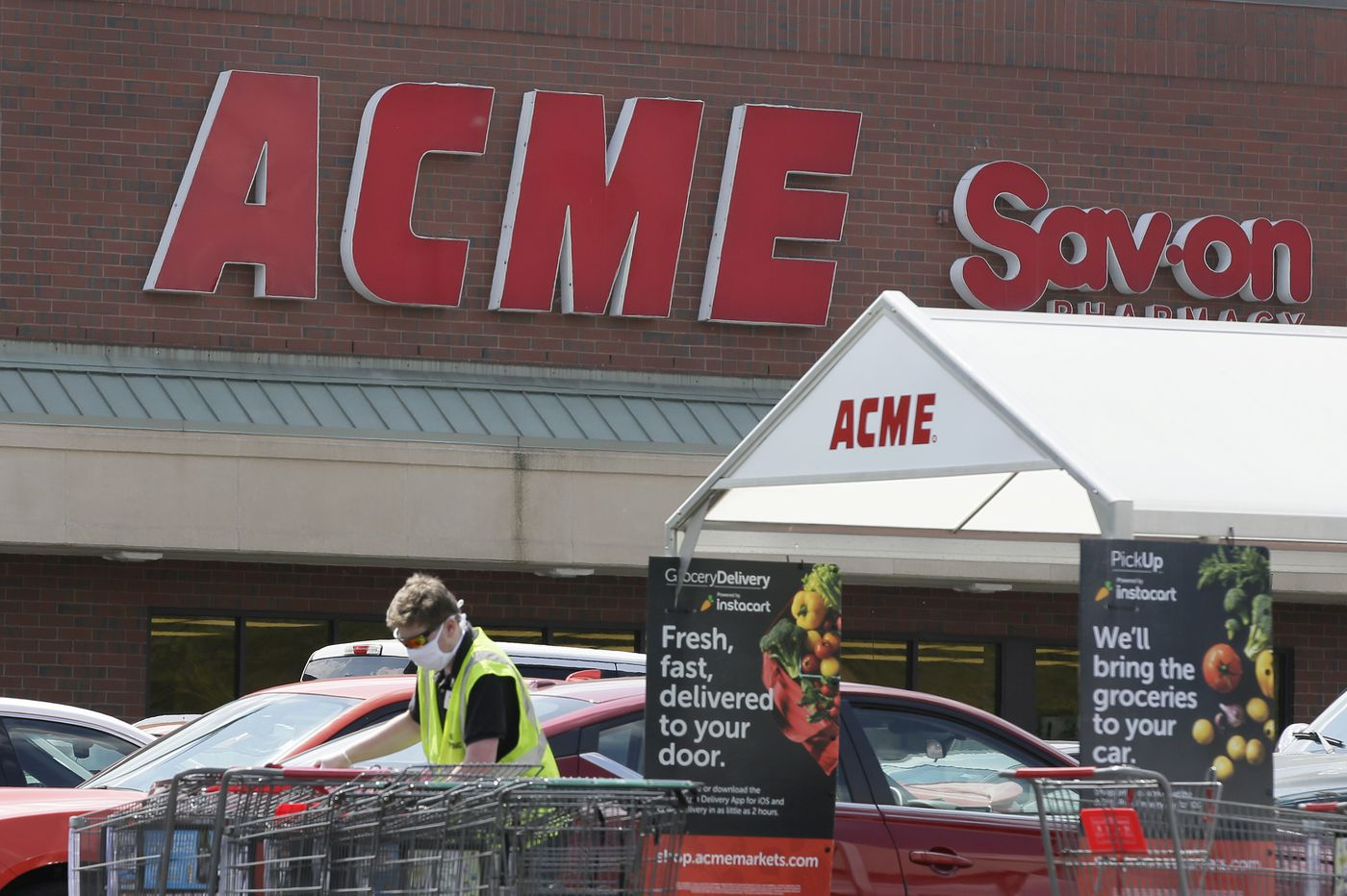 Acme owner cuts wages, boosts payments to shareholders as it preps for $1.5 billion IPO