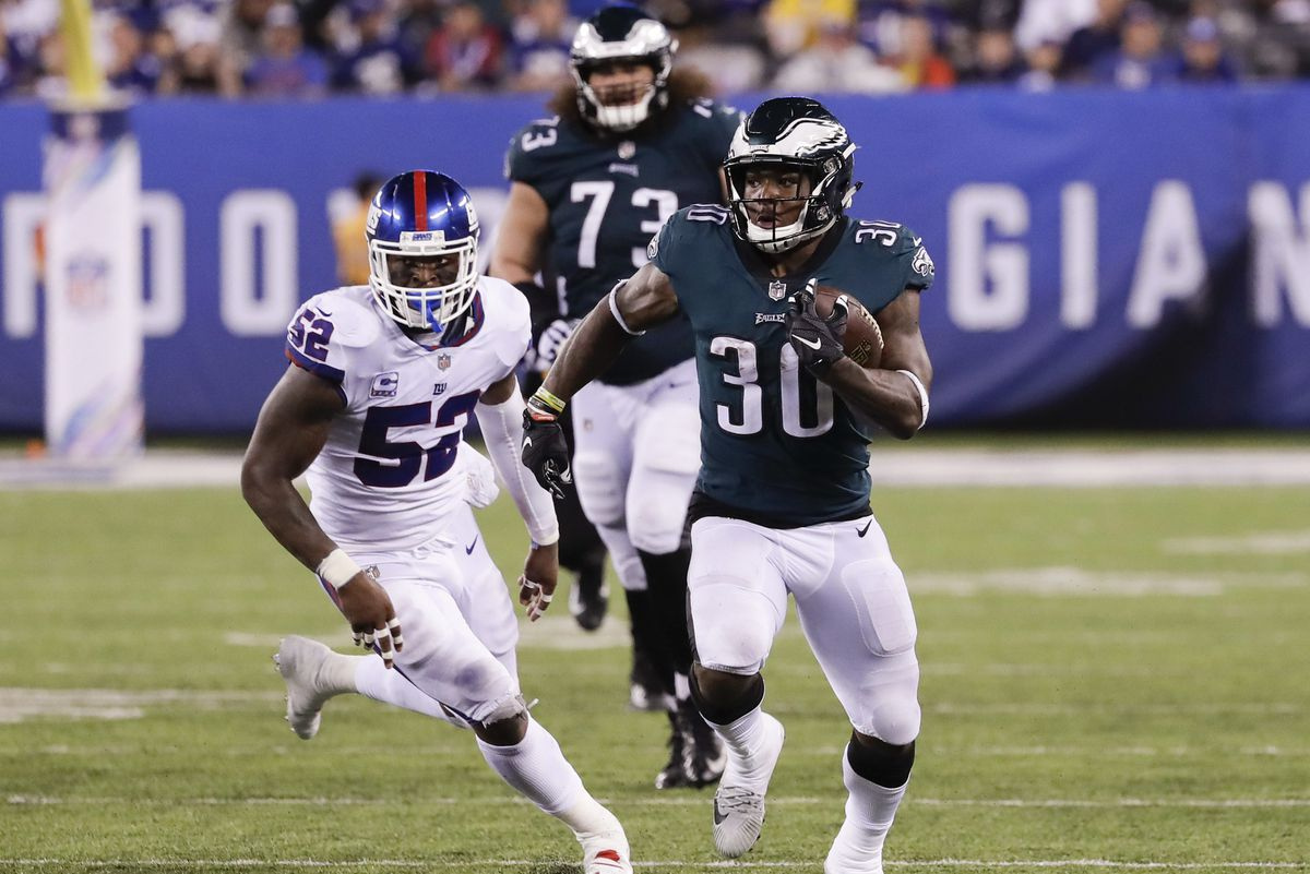 Eagles 34, Giants 13: Quick observations on Corey Clement, Wendell Smallwood and other keys to the win