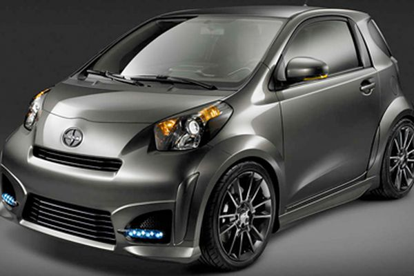 Scion iQ: Hip, thrifty, and even roomy