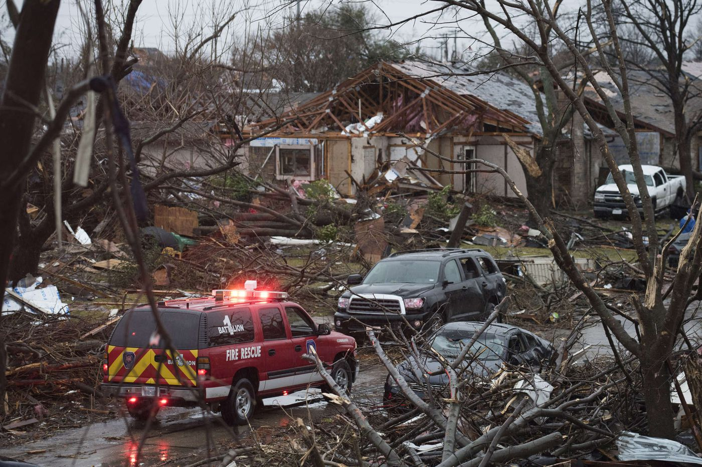 Tornadoes kill 11 in Texas; flooding claims 13 in Midwest