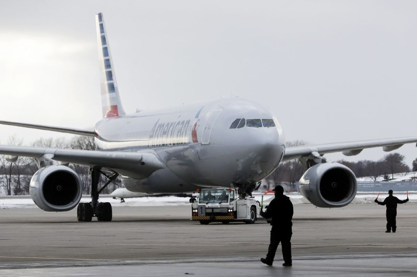 American adds flights to Super Bowl, includes rally towels