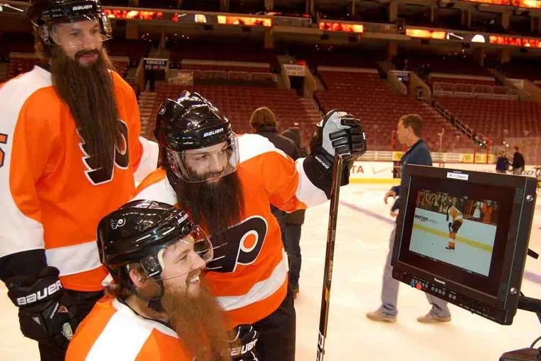 Six members of the Flyers did a Verizon wireless commercial shoot last week at Wells Fargo Center, in- cluding Braydon Coburn (top), Dan- ny Briere (center), Claude Giroux.