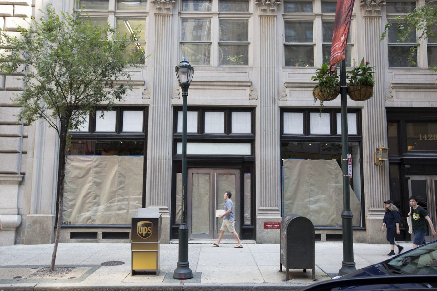 Like yesterday's fashion, has Center City's retail revival been discontinued?