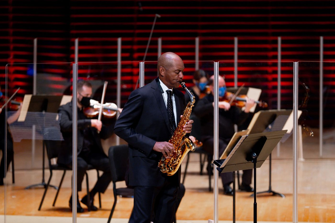 Back on stage in Verizon Hall (without an audience), the Philadelphia Orchestra spotlights Branford Marsalis and welcomes a new principal oboist