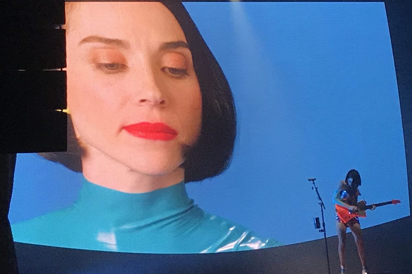 Wawa jokes and 'Masseduction': St. Vincent goes it alone at Electric Factory
