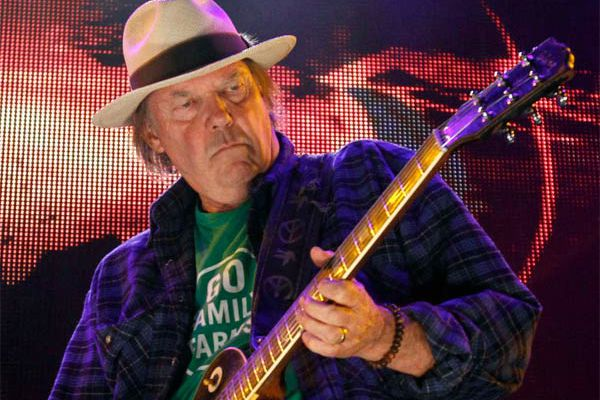 Neil Young starts well but flags after the break