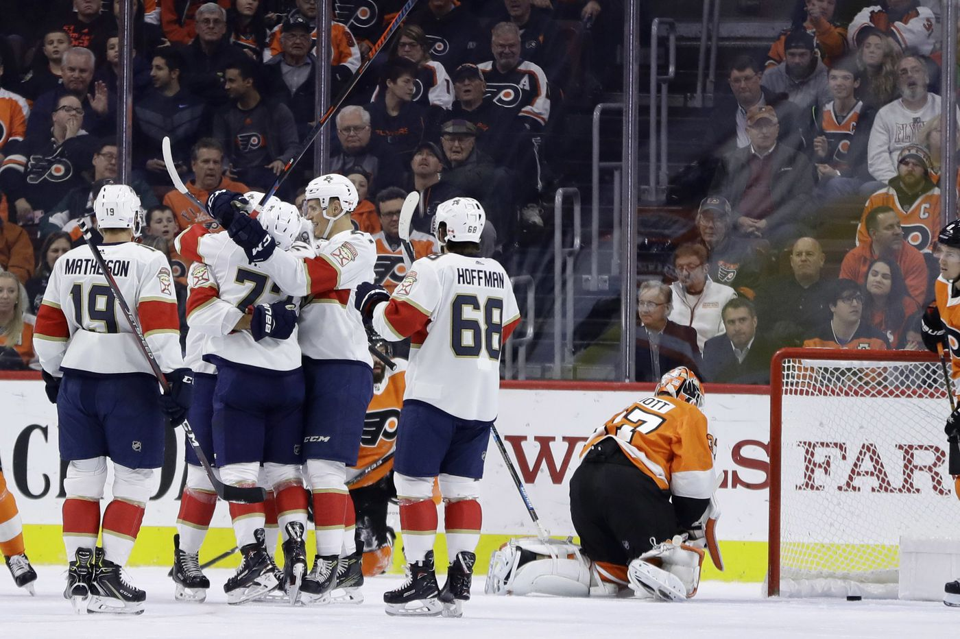 Flyers lose to Panthers, ending six-game point streak