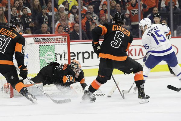 Flyers-Leafs pregame notes: Brian Elliott in net, Michael Raffl to center fourth line