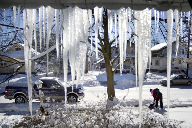 Snow, ice threat ebbing for Philly; flash freeze still a lock