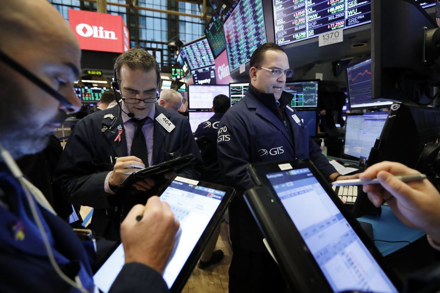 Vanguard effect? SoFi launches 'free' ETF as fee war flares among brokers