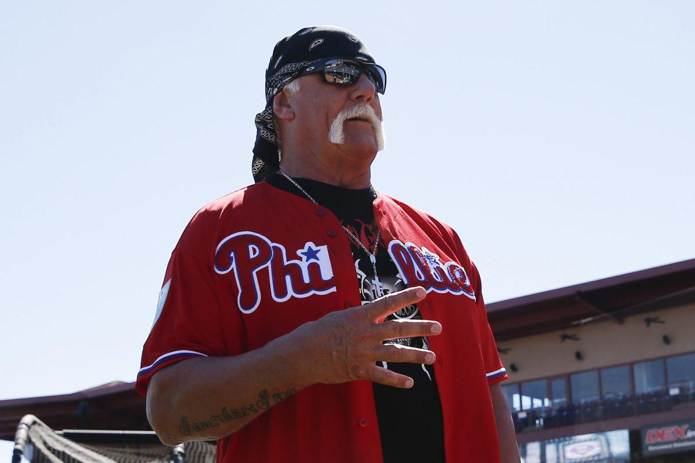 Hulk Hogan runs wild at Phillies spring training, meets Charlie Manuel